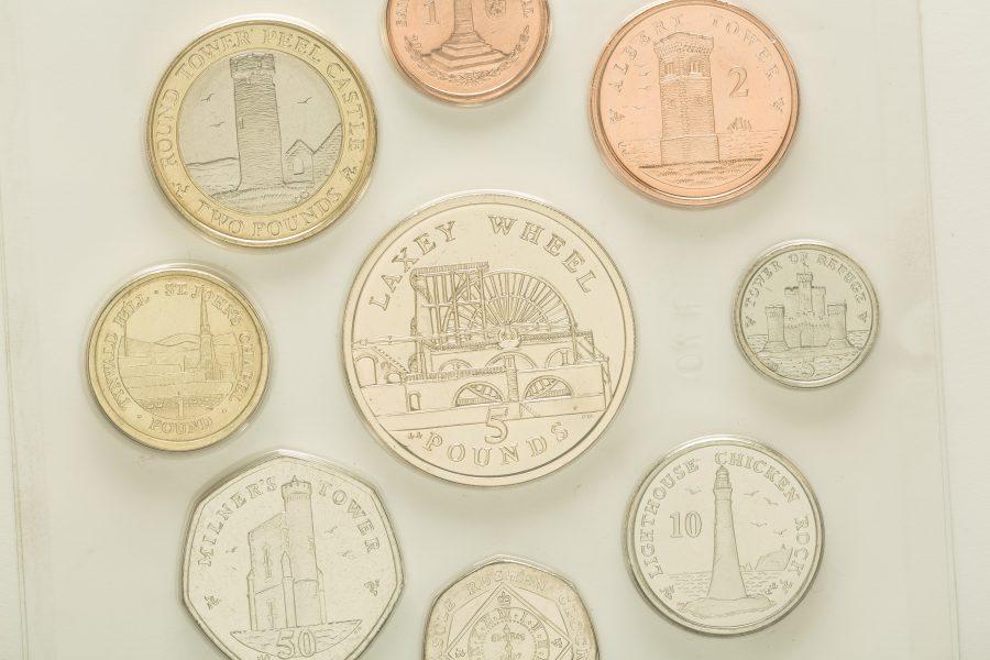 """Münzen: """"Manx-Pfund"""" und Pence"""
