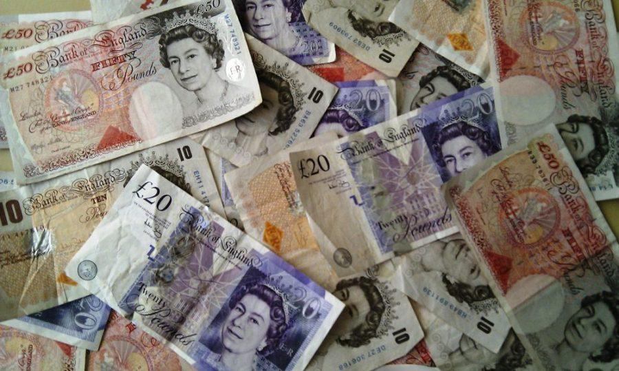 Banknoten: Britisches Pfund bzw. Pfund Sterling