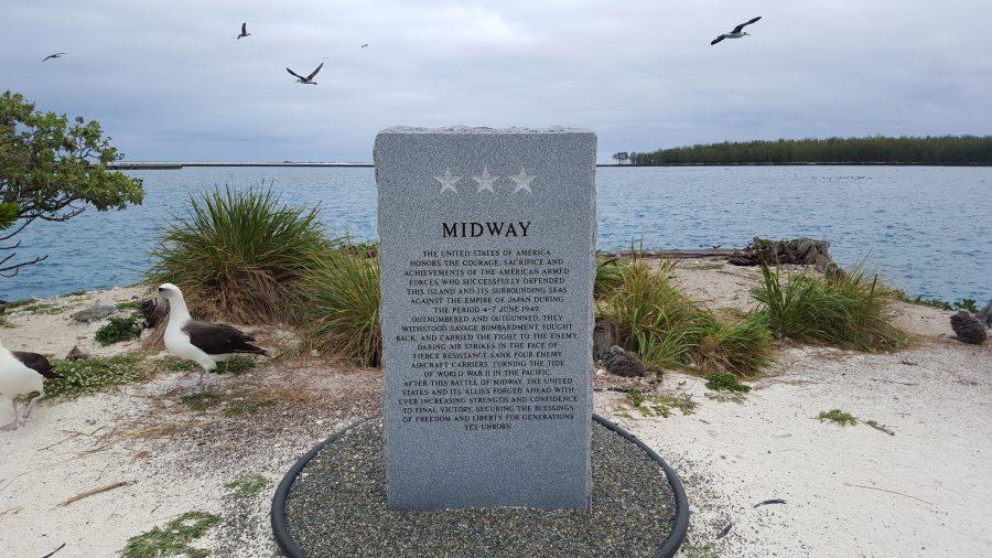 Bild: Midway-Gedenkstein (Midway Memorial Marker) auf der Sand-Insel
